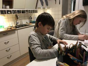 tegning i køkken